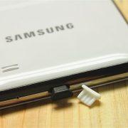 2 nút silicone chống bụi tai nghe và cổng sạc micro usb
