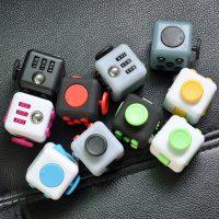 Xúc Xắc Thần Kỳ Fidget Cube Magic 2.2cm
