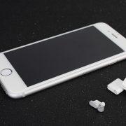 2 nút silicone aluminum chống bụi tai nghe và cổng sạc iphone lightning