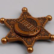 Con quay huy hiệu cảnh sát trưởng Hand Spinner Sheriff