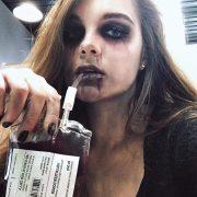 Túi đựng máu ma cà rồng trang trí tiệc halloween cosplay hù dọa
