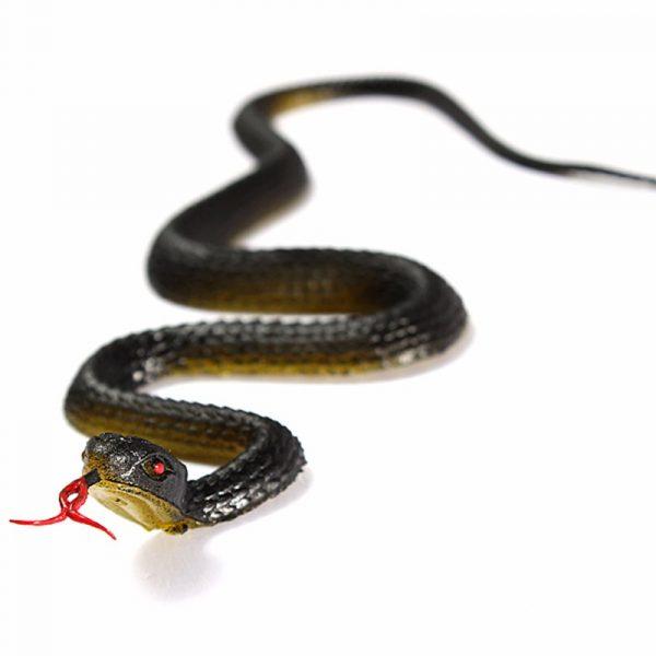 Con rắn giả dành cho người thích đùa