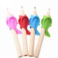 4 Miếng đệm tay hình cá dụng cụ hỗ trợ luyện chữ đẹp cầm bút chuẩn