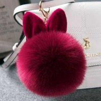 Móc khóa bông xù tai thỏ lông đỏ rượu vang cực mịn