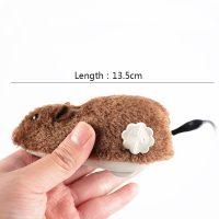 Con chuột dây cót lông đồ chơi trêu chọc