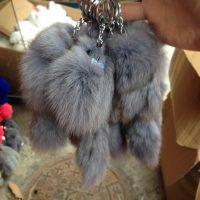 Móc khoá chồn bông xù lông xám nhân tạo 20cm